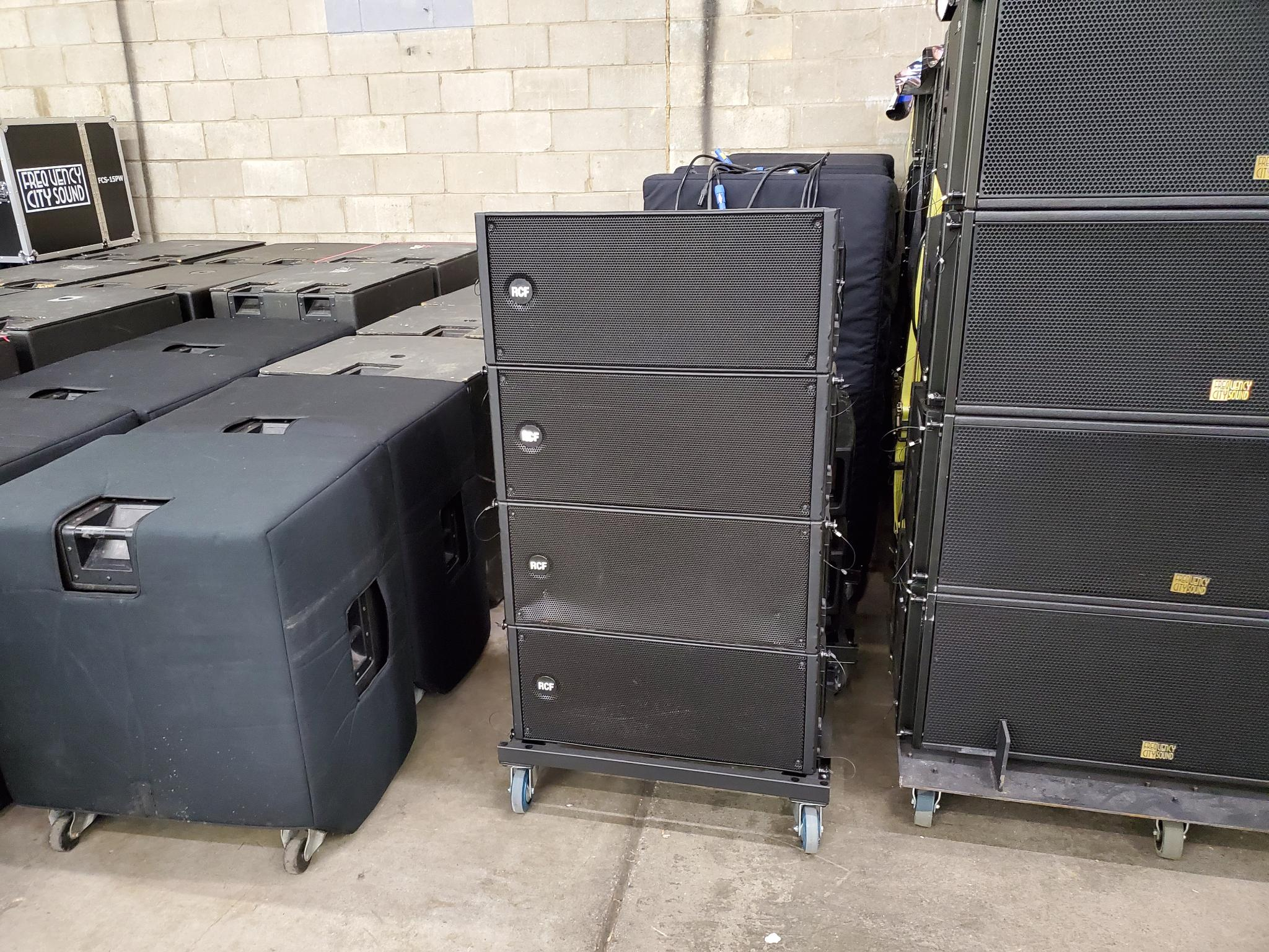 "1400 Watt Peak power - 700 Watt RMS 135 dB max SPL 55 Hz 20 kHz frequency response 2 x 10"" Woofers 1 x 3"" Compression Driver DSP controlled Input section with selectable presets Tour grade safe and solid variable mechanics Composite PP enclosure structurally wooden reinforced"